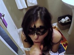 Girlfriend blindfold trick, Nuvid.com